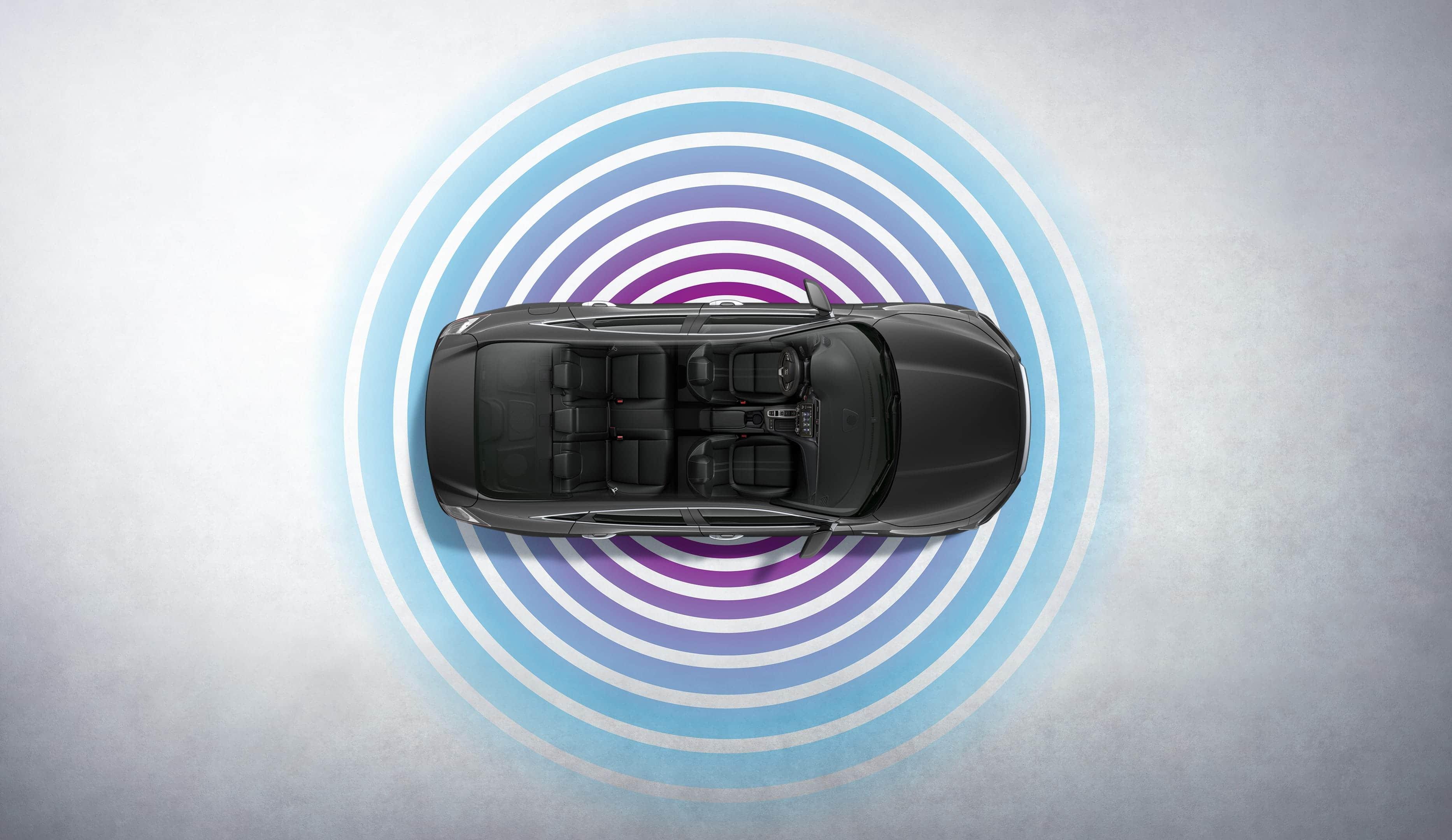 Vista aérea del Honda Insight Touring2021 en Modern Steel Metallic con superposición de gráficos de Wi-Fi®.